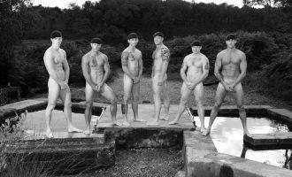 英國皇家海軍 裸身籌善款