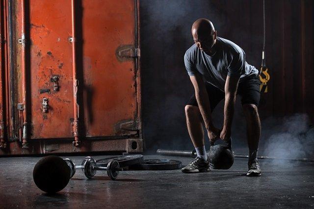 如何使用壺鈴加強核心肌群
