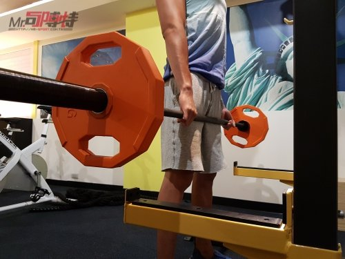安全托架可托住大重量,也可作起槓用