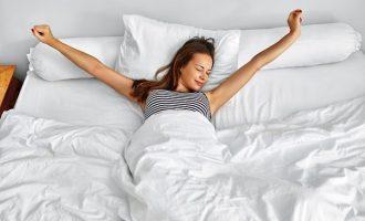 6種伸展姿勢 幫助更好睡眠